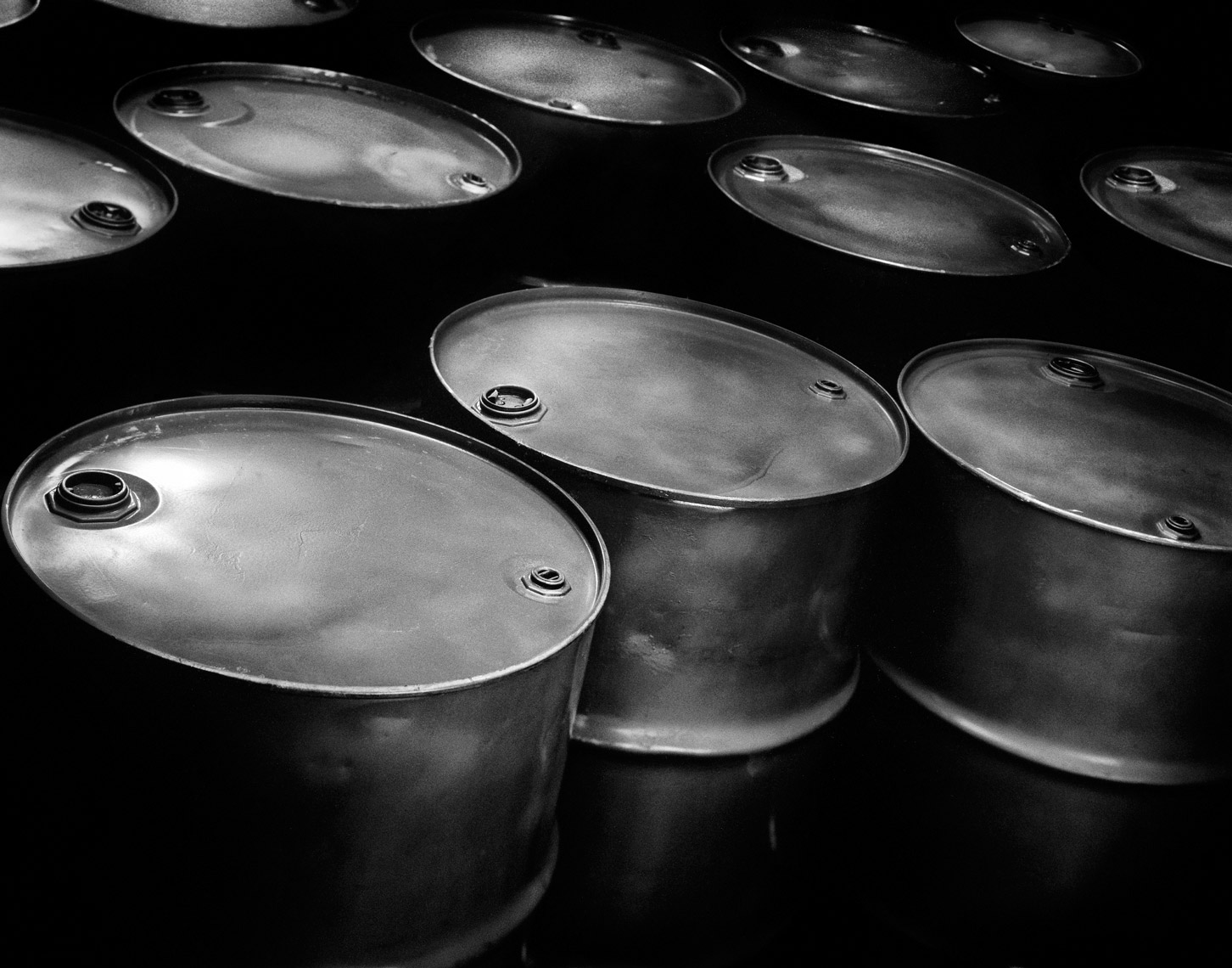 Black & White Barrels